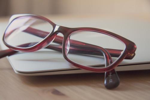 glasses-789836_1920